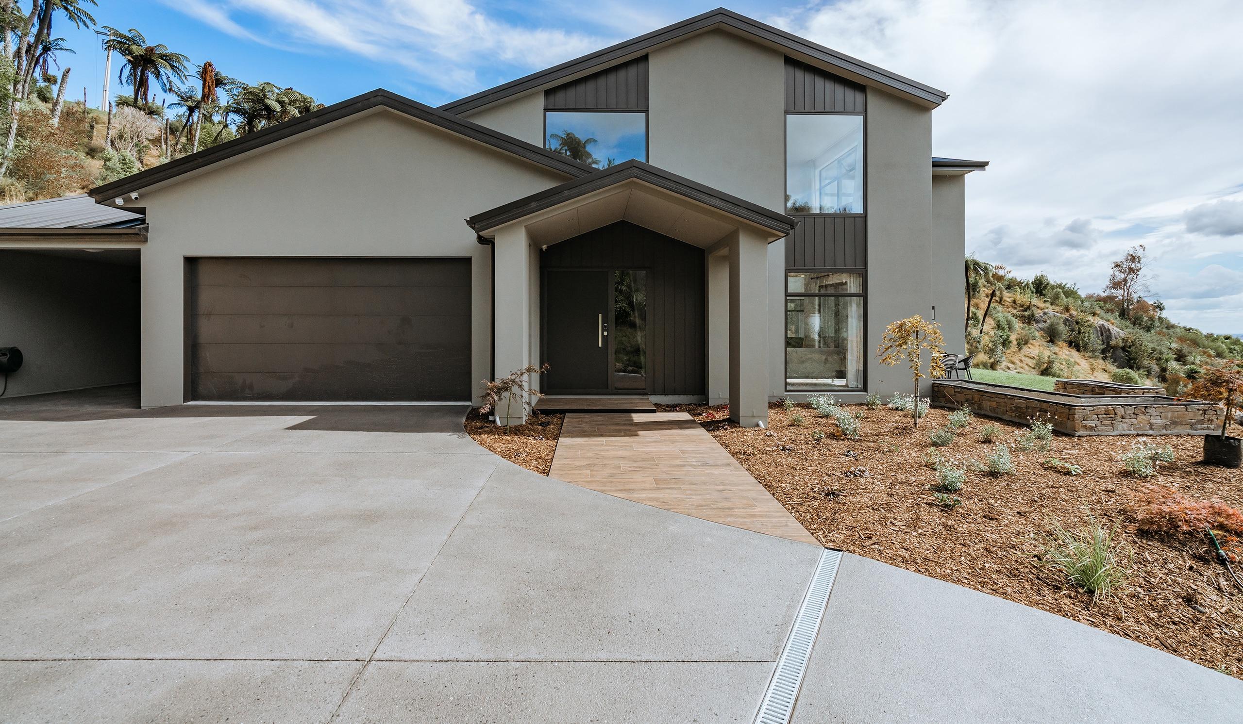 Texture safe concrete driveway bush hammer